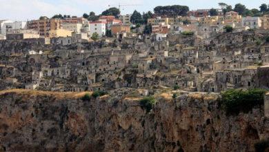Photo of Jelajahi Kota-kota Gua Dibelahan Dunia