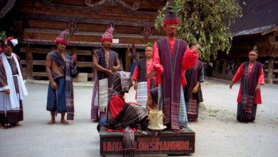 Photo of 4 Lokasi di Pulau Samosir untuk Tahu tentang Batak Toba