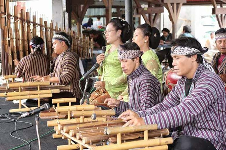 Musik Krumpyung dari kulon progo yogyakarta